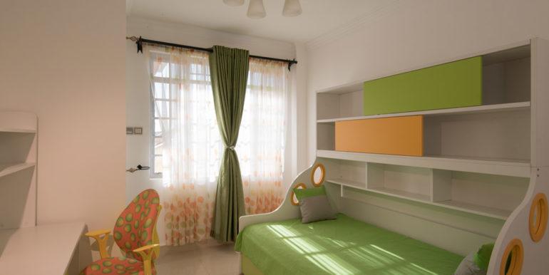 1498677815-Green-Room-1