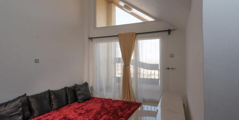 1498677871-TV-room-1