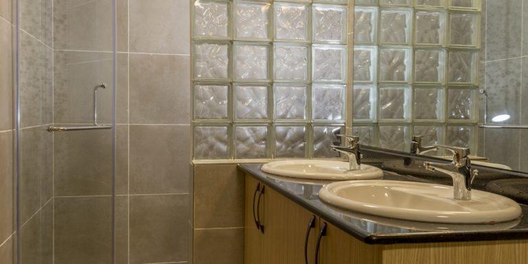 06-Masterbathroom